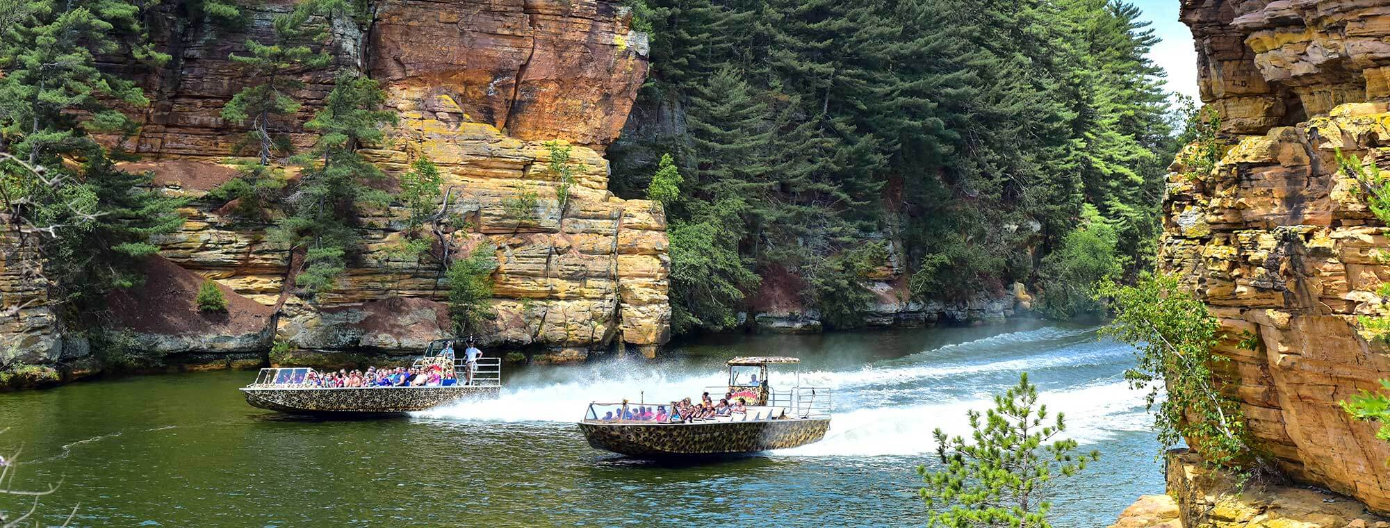 Wisconsin Dells Jet Boat Tour Wild Thing Dells Army Ducks